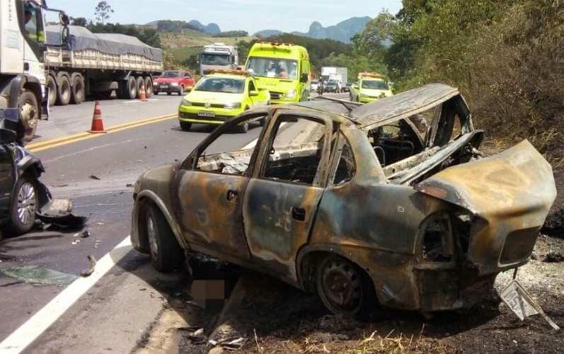Acidente mata quatro pessoas carbonizadas na BR 101