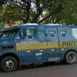 Quadrilha com armas de guerra ataca carro-forte em Itapeva (SP)