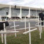Policiais invadem Câmara e seguranças reagem com bombas de gás