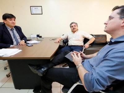 """Junta comercial atende Cleiton Roque e vai implantar """"Empresa Fácil"""" em Pimenta Bueno"""