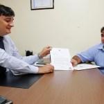 Cleiton Roque destina R$ 100 mil para equipar lavanderia hospitalar em São Miguel