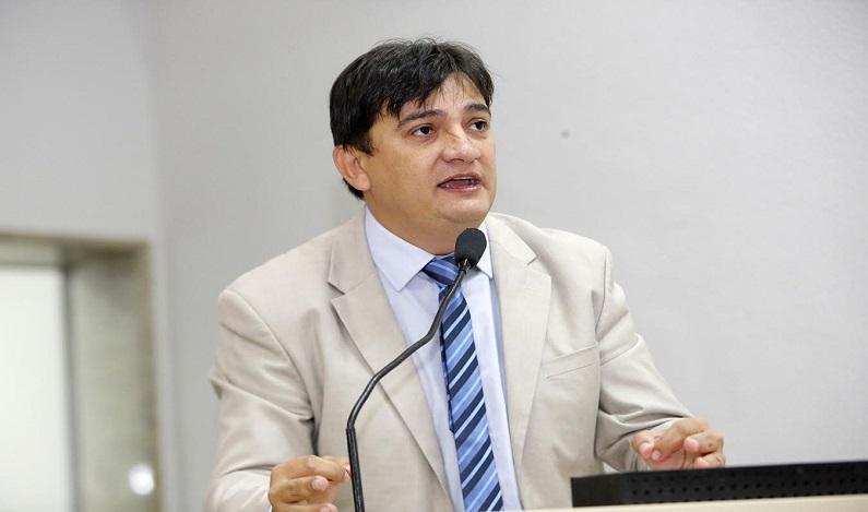 Cleiton Roque quer implantar programa Empresa Fácil em Rondônia
