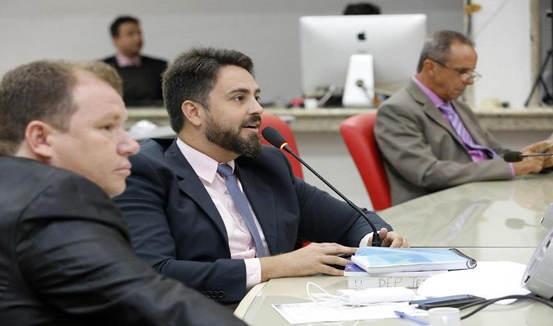 Leo Moraes diz que mulheres são a base da sociedade