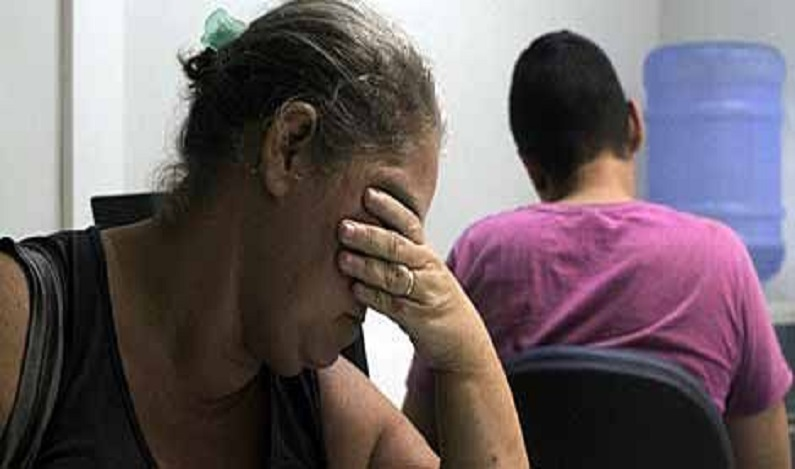 Mães entregam à polícia filhos de 14 e 17 anos suspeitos de matarem mulher