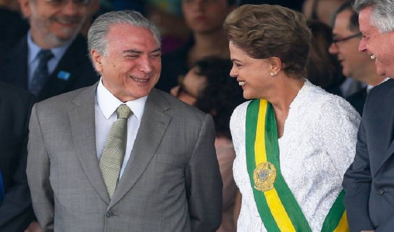 Temer rebate Dilma: 'Os que se dizem fortes destruíram o país'
