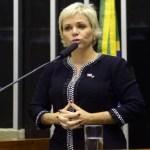 Deputada usa aplicativo de paquera no Congresso