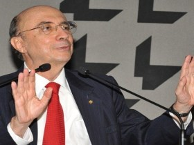 Anúncio com aumento de impostos deve sair na quarta-feira, diz Meirelles