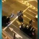 Imagens mostram policial reagindo contra assalto a motociclista na Zona Norte do Rio