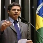 Deputado do PT confronta Moro na comissão do novo Código Penal