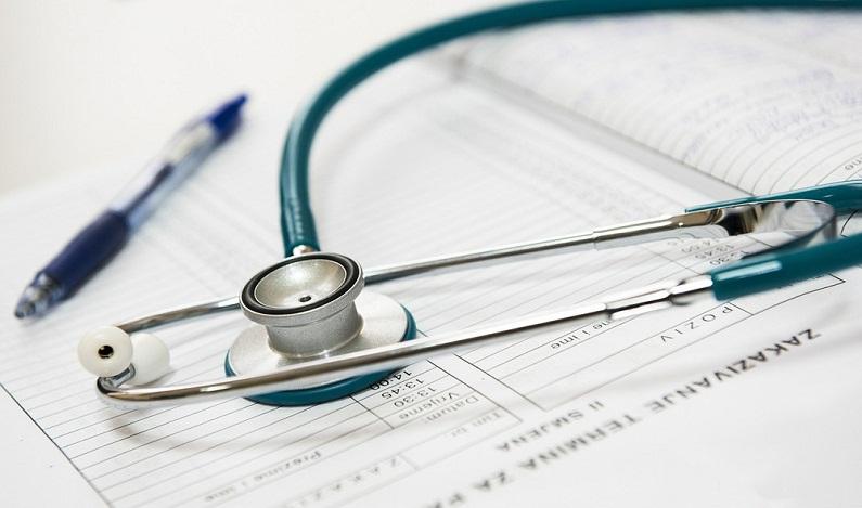 Enfermeira que morava na Bolívia e recebia salário em RO é condenada a devolver R$ 95 mil