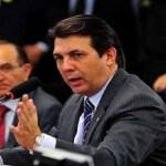Deputado acusa relator da reforma de dever para Previdência