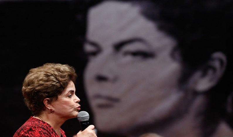 Dilma era menos rejeitada que Temer quando foi cassada