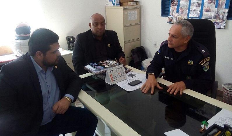 Jean Oliveira visita Núcleo da Policia Comunitária do 1º BPM e promete apoio