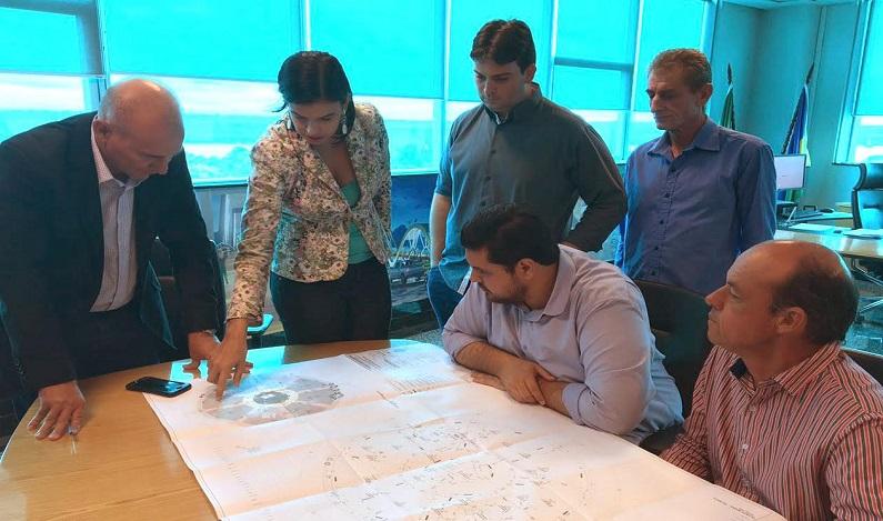 Jean Oliveira e lideranças analisam projeto da Praça de União Bandeirantes