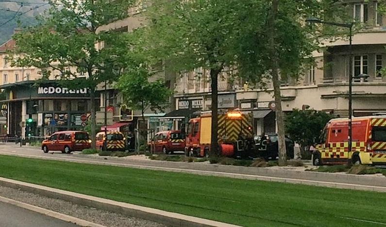 Explosão em McDonald's causa pânico em Grenoble, na França