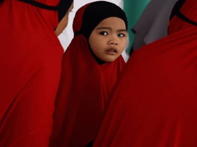 Político malaio diz que casamento entre estuprador e vítima pode ser solução para casos de agressão sexual