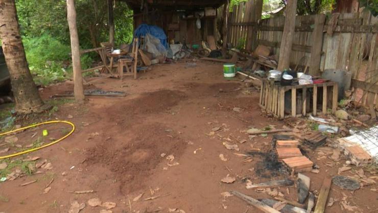 Local onde ocorria festa era nos fundos de uma casa, em Cabixi (Foto: José Manoel/Rede Amazônica)