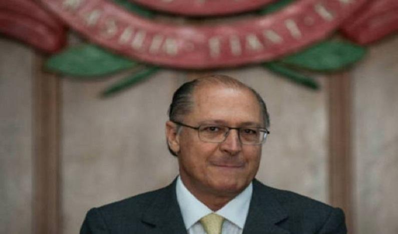 Contra isolamento, Alckmin busca ao menos cinco partidos