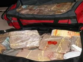 Presos são suspeitos de exigir quase R$ 1 milhão de resgate após sequestro de esposa de traficante