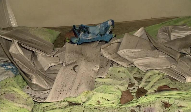Explosão de celular incendeia casa e deixa moradores feridos em Maceió