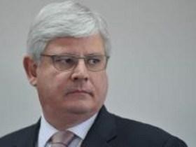 Janot adia apresentação da denúncia contra Michel Temer ao STF