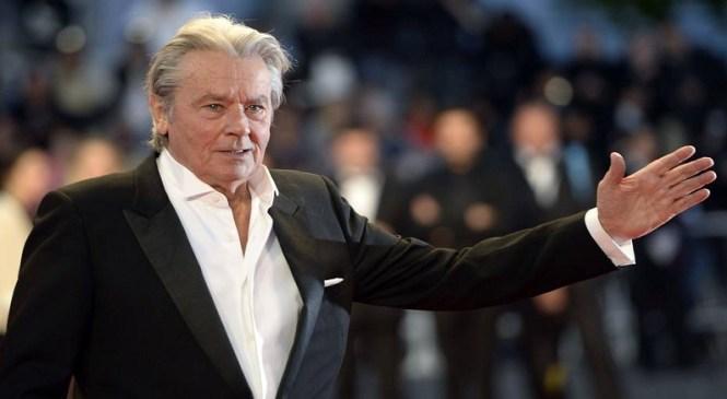 Ícone do cinema, Ator francês Alain Delon anuncia fim da carreira aos 81 anos