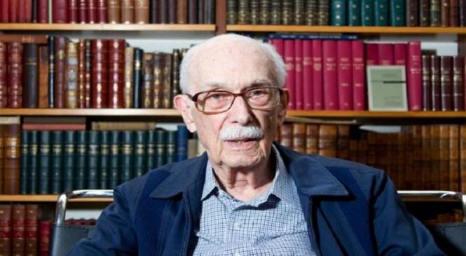 Morre crítico literário Antonio Candido aos 98 anos