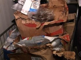 Procon apreende 600 kg de alimentos impróprios para consumo em supermercado de Goiânia