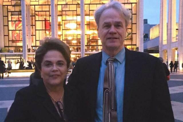 Dilma Rousseff e o amigo James Green, durante viagem da ex-presidente aos Estados Unidos (Reprodução/Facebook)