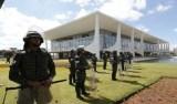 Forças Armadas fazem segurança de prédios na Esplanada dos Ministérios
