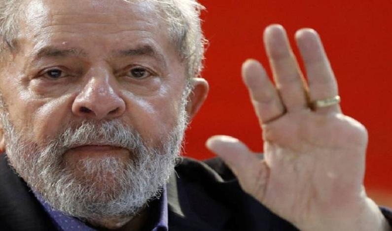 """Secretaria da Presidência confisca 21 """"tralhas"""" de Lula"""