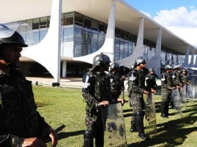 Decreto de uso das Forças Armadas é sinal de governo vulnerável, dizem especialistas