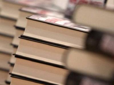 Professores poderão ter desconto na compra de livros; vote