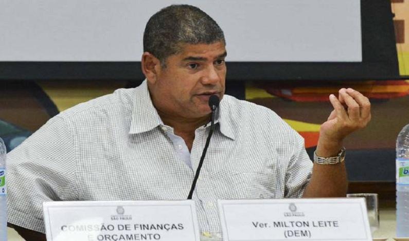 Multa para quem urinar em vias públicas entra em vigor em SP