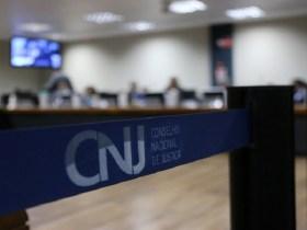 URGENTE: CNJ aposenta juíza de Rondônia por irregularidade em precatórios