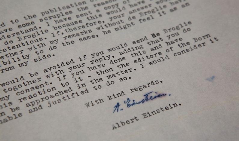 Cartas de Albert Einstein são leiloadas por mais de US$ 200 mil