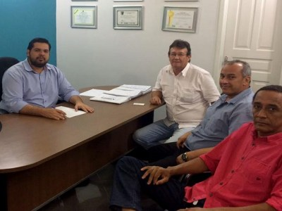 Jean Oliveira firma parceria com lideranças de Nova Califórnia