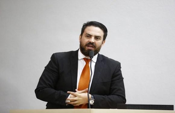Léo Moraes elabora Projeto de Lei que torna Associação Voluntária Animal uma utilidade pública