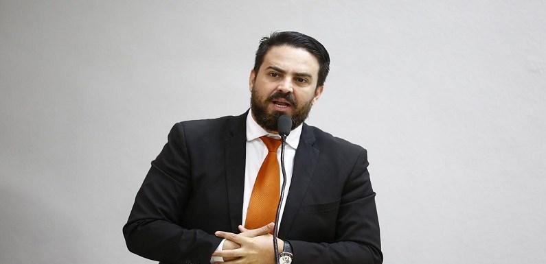 Léo Moraes propõe debate sobre criação de espaço próprio para testes do Detran