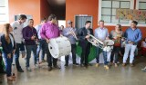 Deputado Luizinho entrega instrumentos musicais em escolas do cone sul