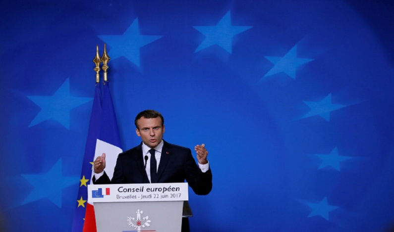 França aprova polêmico projeto de lei antiterrorista