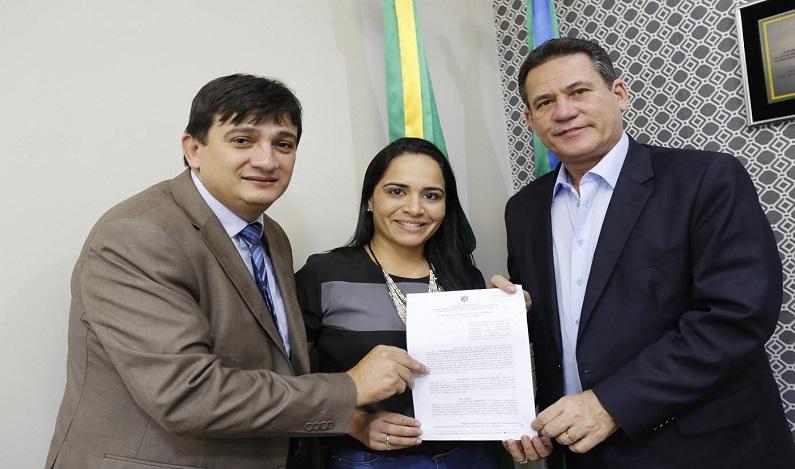 Maurão de Carvalho libera emenda para tapa-buracos em Pimenta Bueno