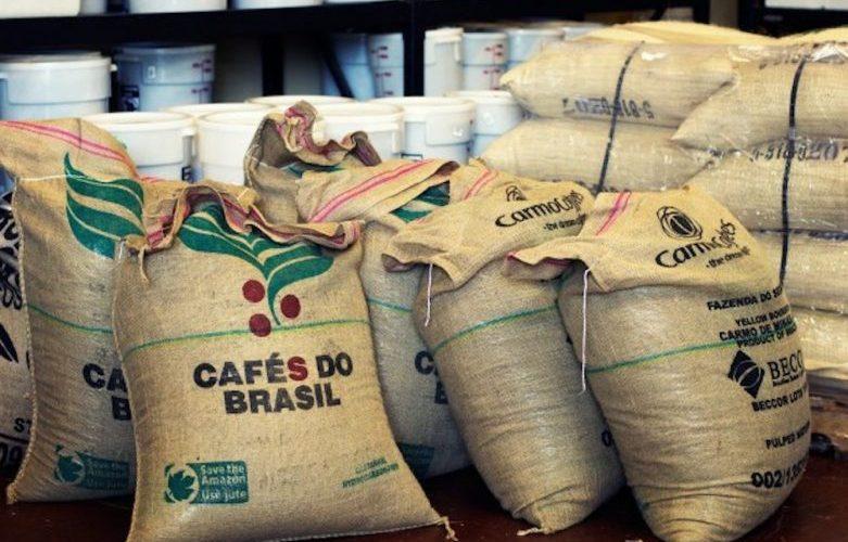Café deve atingir preço recorde por ação política