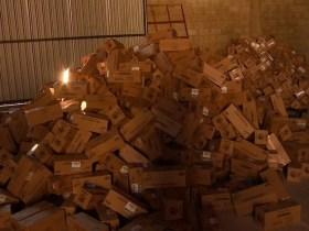 PM descobre galpão no DF com lotes de carga roubada avaliados em R$ 5 milhões; vídeo