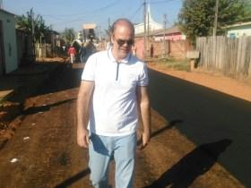 Alan Queiroz tem pedido atendido e ruas da zona leste recebem asfaltamento