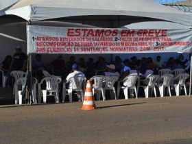 Trabalhadores da Caerd aderem à greve