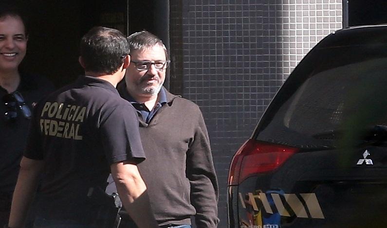 Procuradoria investiga se Rocha Loures furou a fila da tornozeleira