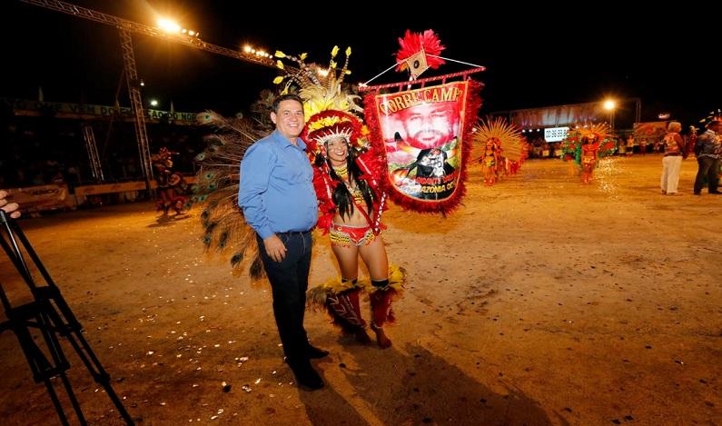 Maurão reforça compromisso com a cultura popular durante o arraial Flordo Maracujá