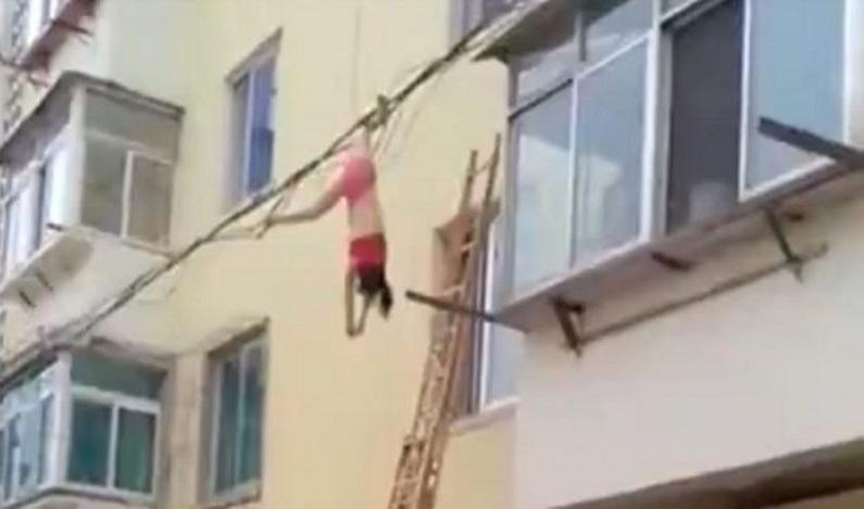 Amante fica presa em fios elétricos após tentar fugir de apartamento; vídeo