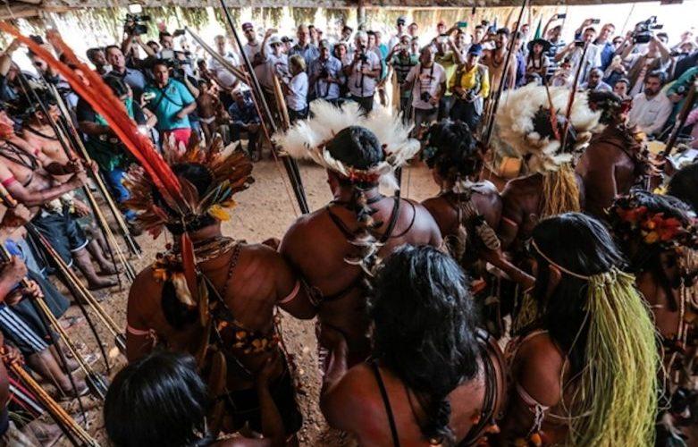 """Universidade federal esclarece polêmica sobre """"não índia"""" que ocupa cota reservada à índios"""